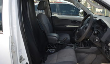 TOYOTA HILUX DOUBLE CAB – WHITE full