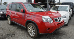 NISSAN XTRAIL – RED